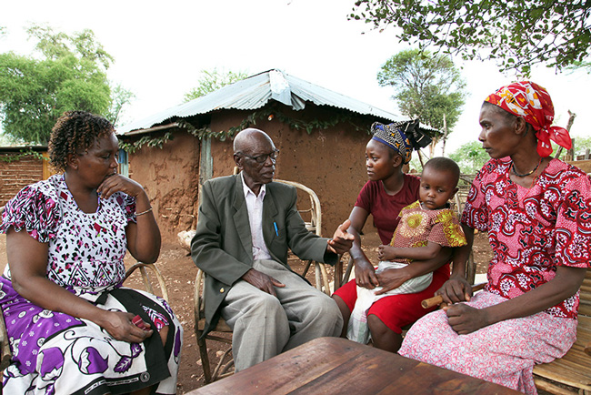 In That Edition 82 Year Old Neftali Kiana Miru 2nd From Left Marimanti Tharaka Stressed The Importance Of